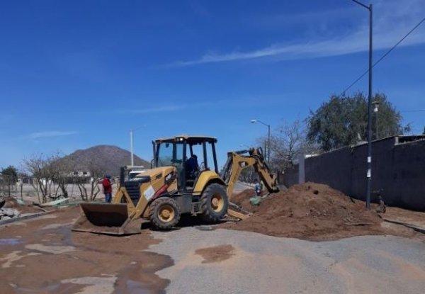 AguaH trabaja en ruptura de tubería en bulevar Lázaro Cárdenas